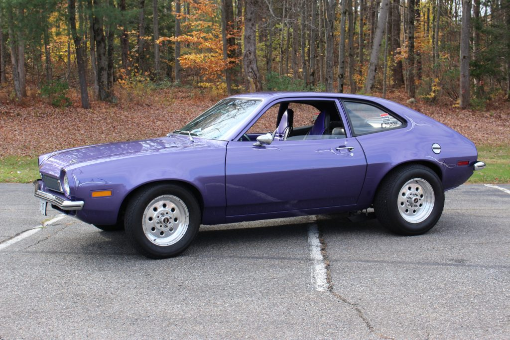 Ford Pinto violetinis