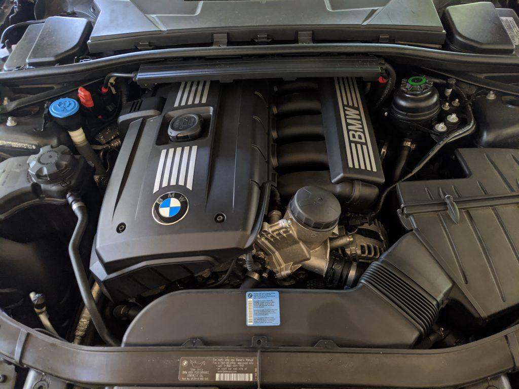 BMW E90 330i N52 atsiliepimai