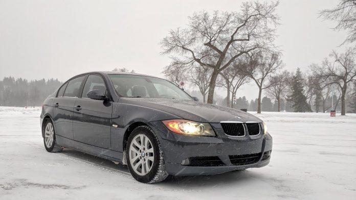 BMW E90 Juodas