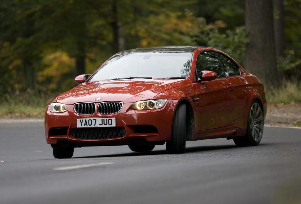 Oranžinis BMW E92
