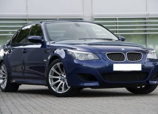 Mėlynas BMW E60 530d