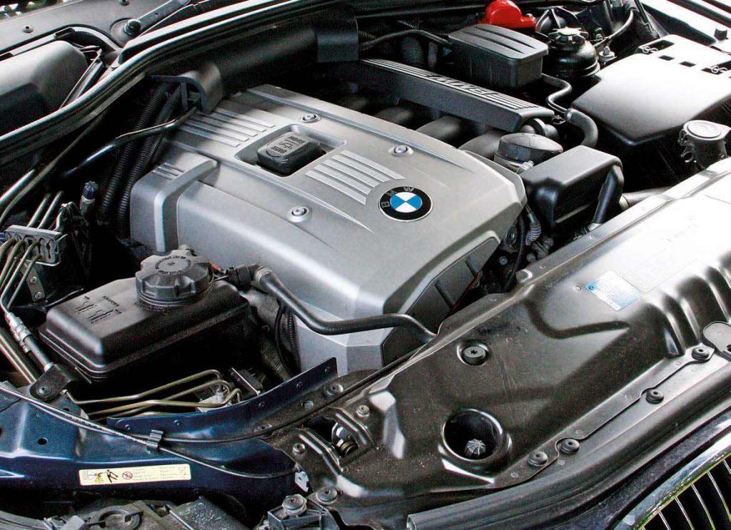 BMW E61 530i variklis