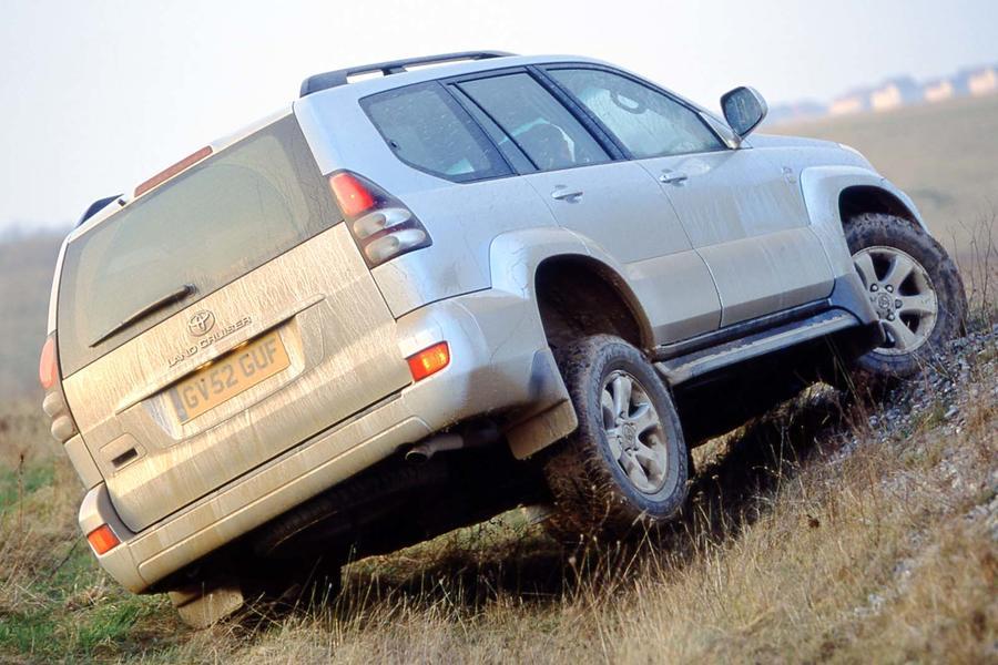 Pilko 2005 Toyota Land Cruiser J120 galas